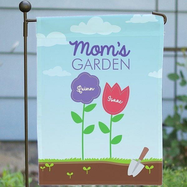 Custom garden flag personalized for Mom and kids